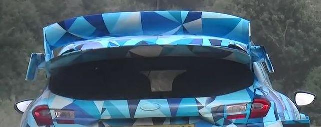 ott-tanak-essais-ford-fiesta-rs-wrc-2017-full-rear