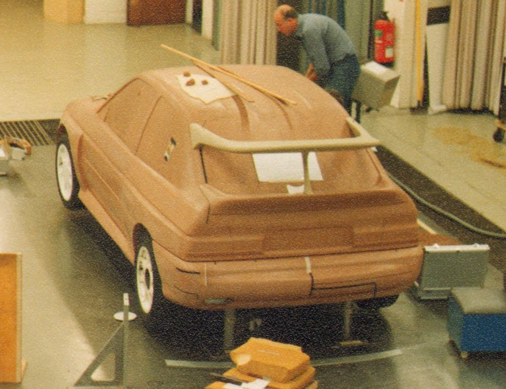 1989 wind tunnel tests at MGA.jpg