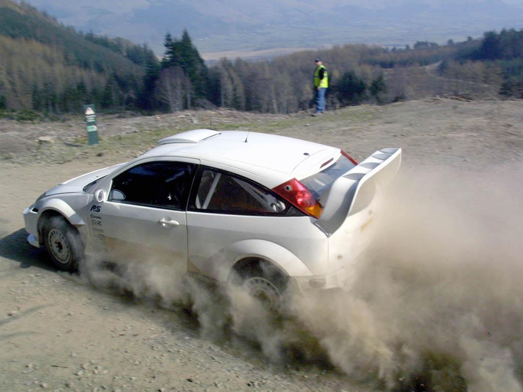 2003_Ford_FocusRSWRC10.jpg