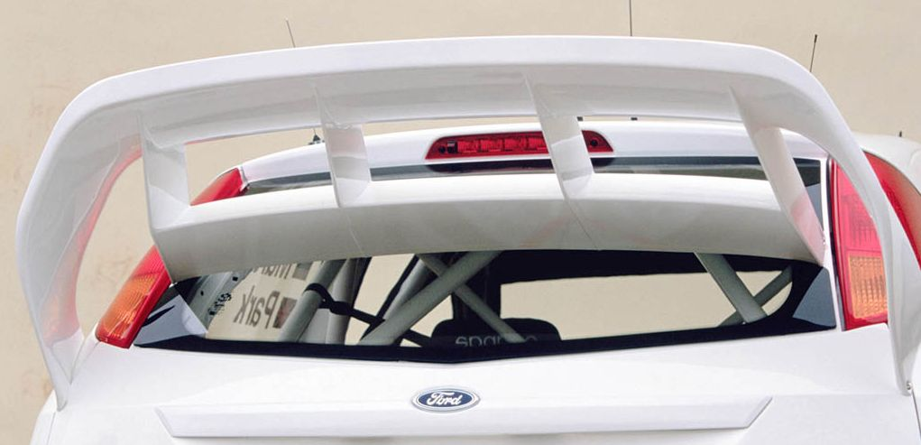 2003_Ford_FocusRSWRC3_rear.jpg