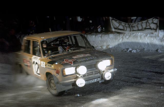 1977_003_012_Antonio_Zanini_1977_003_Antonio_Zanini_-_Juan_Petisco2C_Rally_Monte-Carlo_1977_-_Seat_124_Especial_1800.jpg